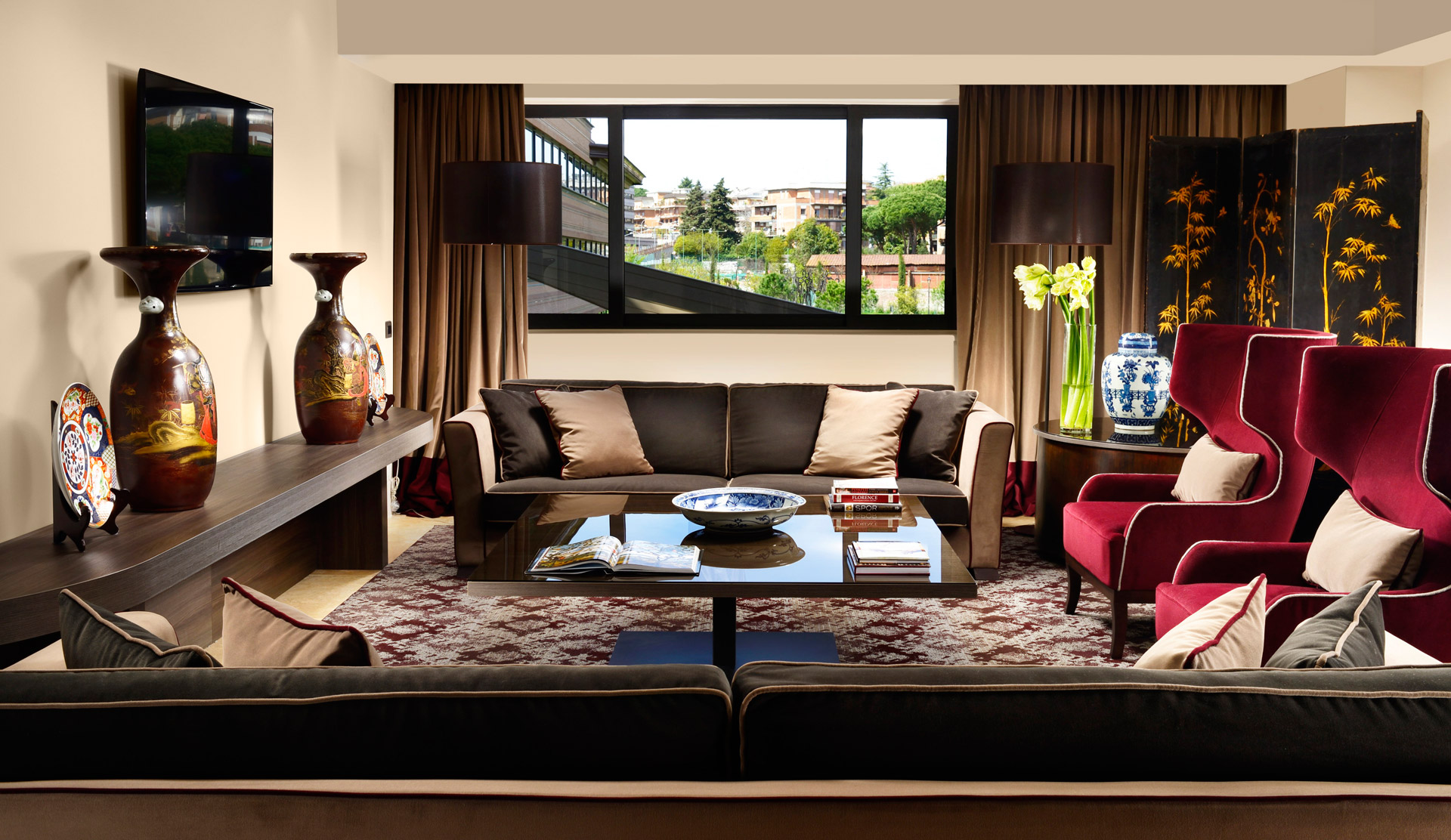 AROMA_Suite_Presidential_living-room