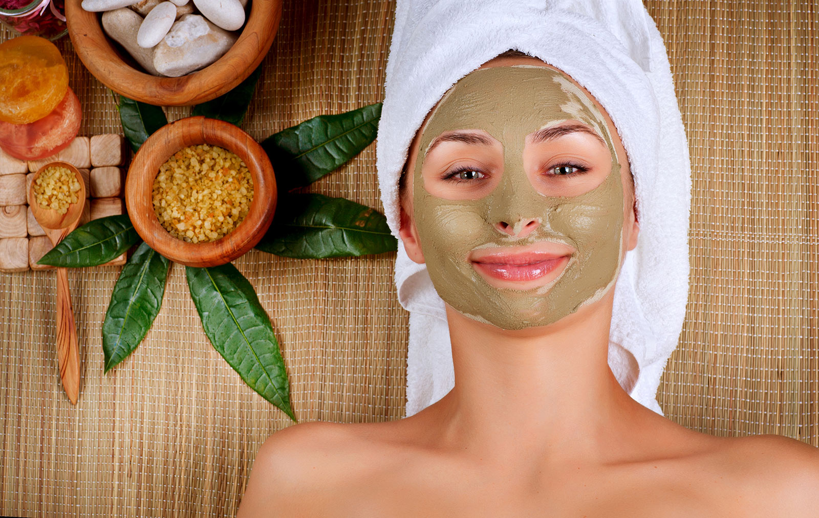 SPA-treatments-for-women-mud-mask-in-Rome-Italy